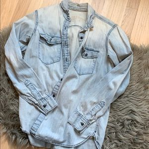 Gap distressed chambray button-up